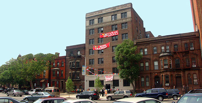 Colleoni Apartment luxury rental apartments in Newark